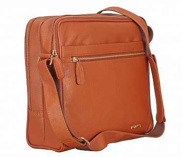 P37-Dwayne-Men's travel pouch in Genuine Leather - Tan