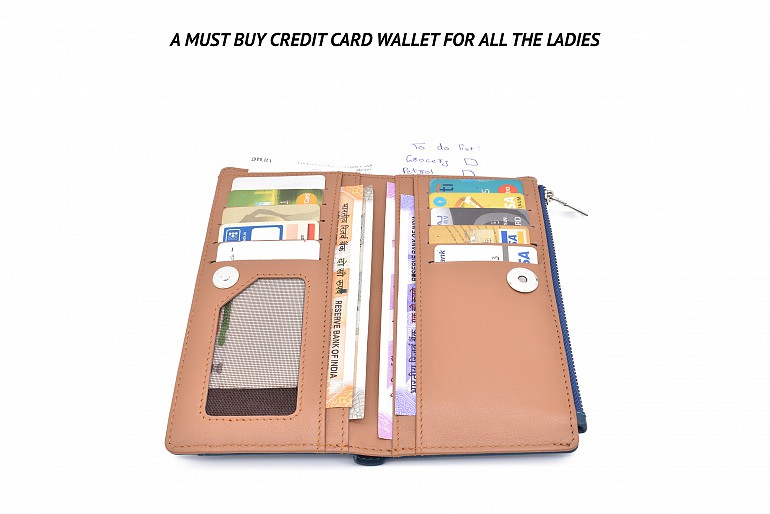 W338-Claudita-Women's wallet with loop and zip closing in genuine leather - Blue/Beige