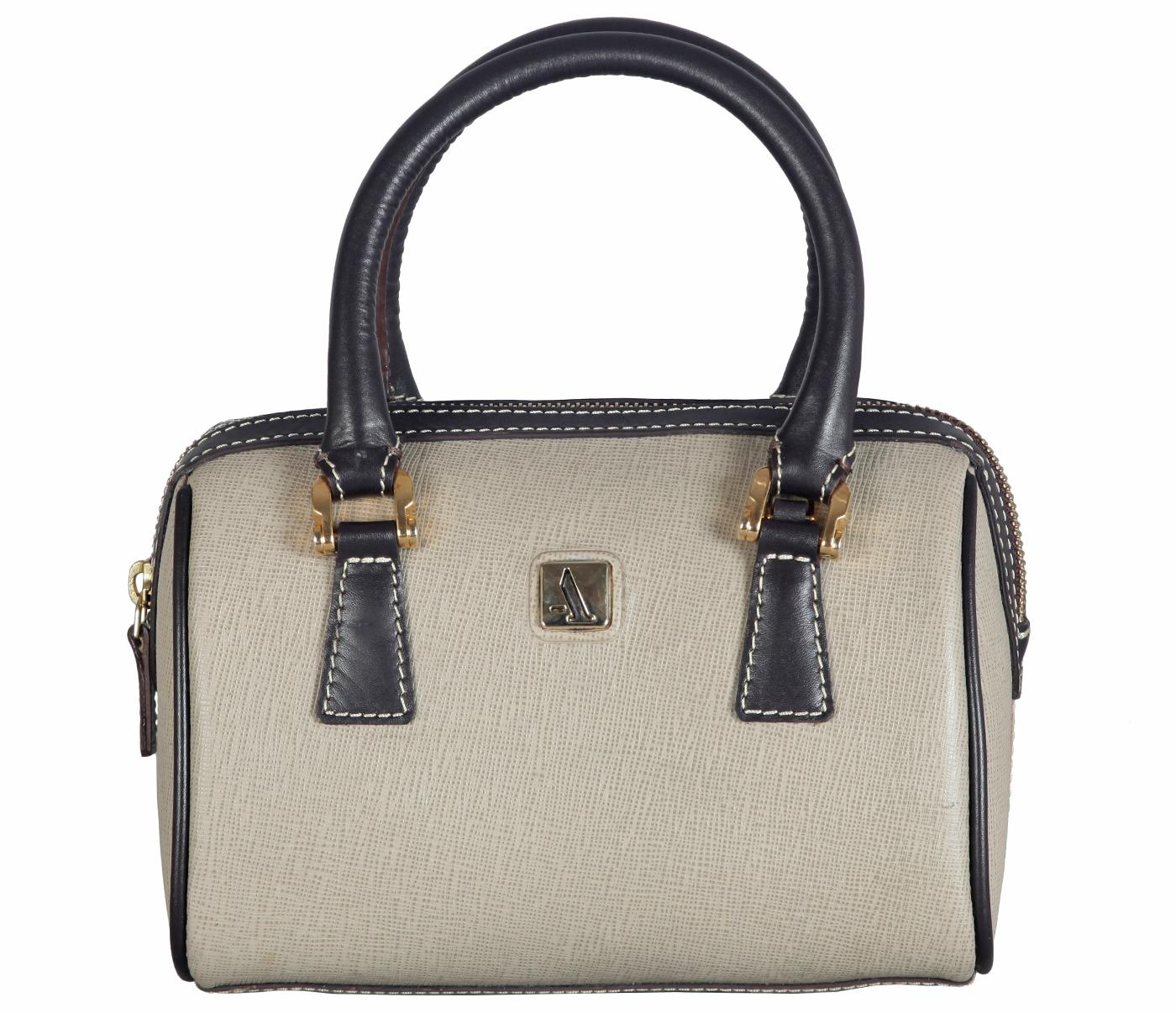 Handbags - B821